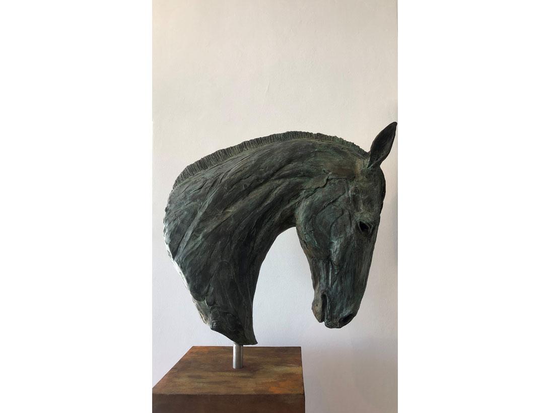 <p>Monza<br>Bruce Little Bronze </p>
